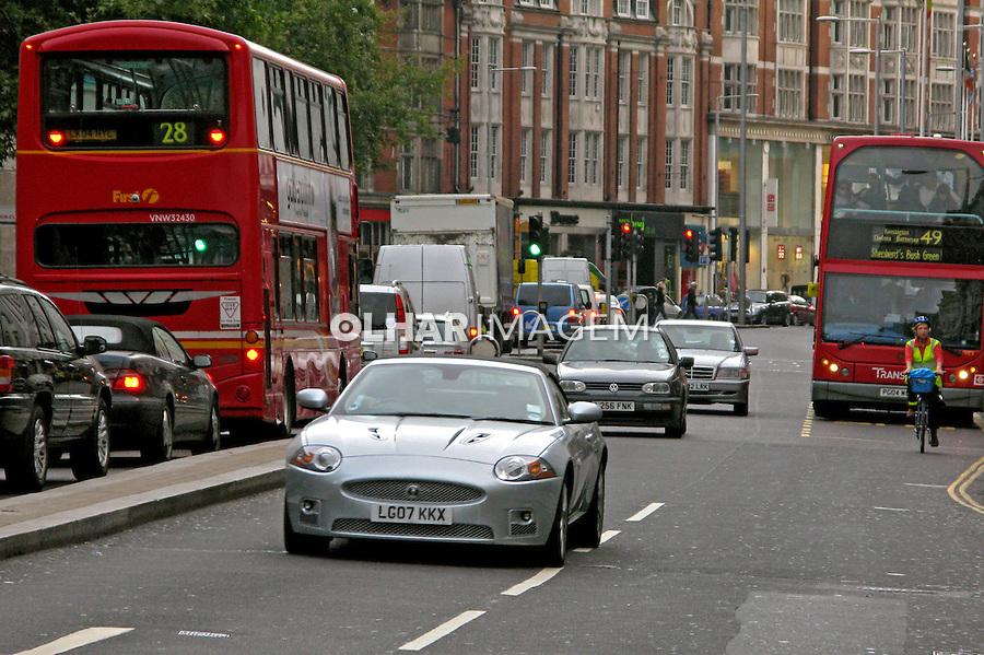 Automóvel Aston Martin. Londres. Inglaterra. 2008. Foto de Juca Martins.