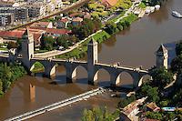 Pont medieval fortifie sur le Lot..Medieval bridge strengthened on the Lot