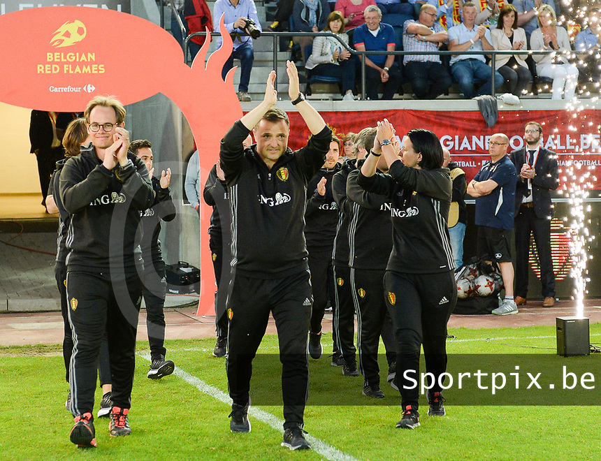 20170613 - LEUVEN ,  BELGIUM : Belgian team with head coach Ives Serneels (middle) pictured being introduced to the fans and getting a good luck to the EK2017 after the friendly female soccer game between the Belgian Red Flames and JAPAN , a friendly game in the preparation for the European Championship in The Netherlands 2017  , Tuesday 13 th June 2017 at Stadion Den Dreef  in Leuven , Belgium. PHOTO SPORTPIX.BE | DAVID CATRY