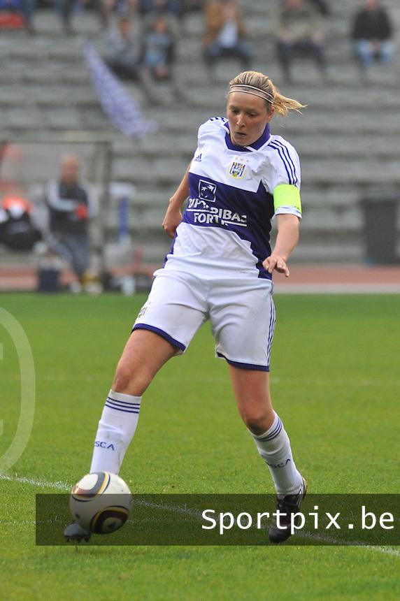 RSC Anderlecht Dames - Standard Femina de Liege : Sophie Mannaert.foto JOKE VUYLSTEKE / Vrouwenteam.be