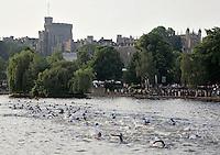 11 JUN 2006 - WINDSOR, UK - Swim start - Windsor Triathlon 2006. (PHOTO (C) NIGEL FARROW)