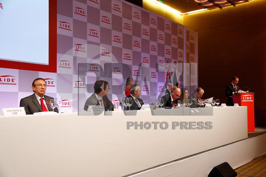 SAO PAULO. SP. 29 DE JULHO 2013 - ALMOÇO DEBATE LIDE -  EDISON LOBÃO . O  almoço debate com 300 lideres empresariais do Lide - Grupo de Lideres Empresarias, na manhã desta terça feira na zona sul da capital paulista. Durante o encontro, foram discutidas Energias renováveis, pré-sal e eficiência energética. <br />  FOTO ADRIANA SPACA/BRAZIL PHOTO PRESS