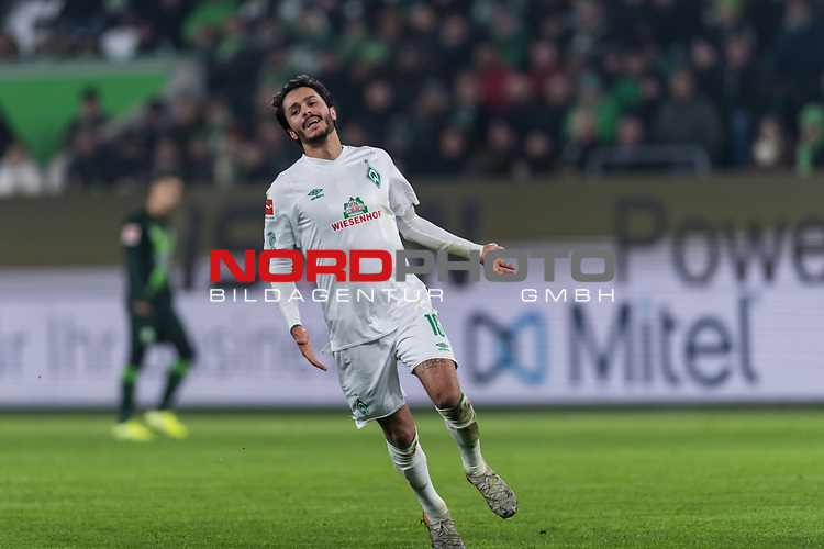 01.12.2019, Volkswagen Arena, Wolfsburg, GER, 1.FBL, VfL Wolfsburg vs SV Werder Bremen<br /> <br /> DFL REGULATIONS PROHIBIT ANY USE OF PHOTOGRAPHS AS IMAGE SEQUENCES AND/OR QUASI-VIDEO.<br /> <br /> im Bild / picture shows<br /> Leonardo Bittencourt (Werder Bremen #10), <br /> <br /> Foto © nordphoto / Ewert