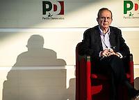 Bologna 6 settembre 2014, Festa dell'Unità. Pier Carlo Padoan, ministro dell'economia e delle Finanze, apre al taglio del cuneo fiscale.