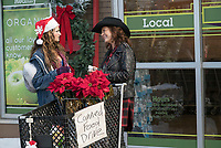 A Bad Moms Christmas (2017) <br /> Susan Sarandon &amp; Kathryn Hahn<br /> *Filmstill - Editorial Use Only*<br /> CAP/KFS<br /> Image supplied by Capital Pictures