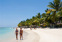 MUS, Mauritius, Black River, Flic en Flac: Strand des Sugar Beach Resort | MUS, Mauritius, Black River, Flic en Flac: beach at Sugar Beach Resort