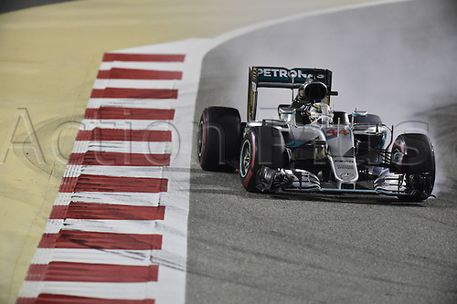 03.04.2016. Sakhir, Bahrain. F1  Grand Prix of Bahrain, 44 Lewis Hamilton (GBR, Mercedes AMG Petronas Formula One Team) locks up his tyres