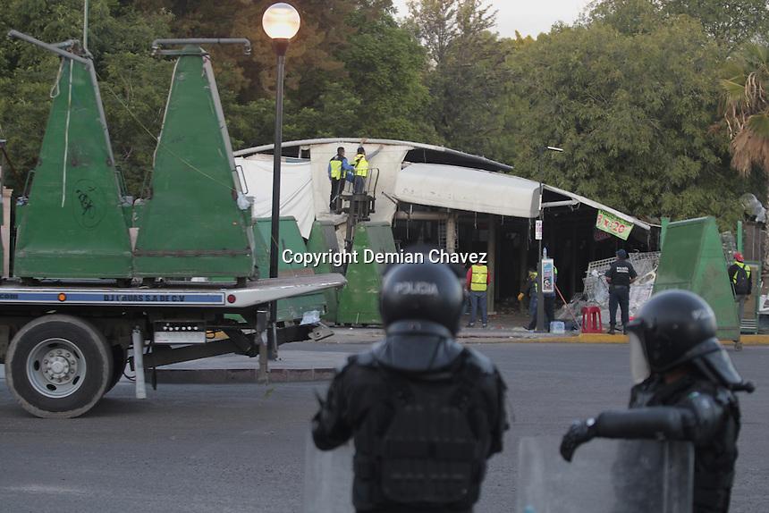 Desalojo de comerciantes en la Alameda de la ciudad de Querétaro