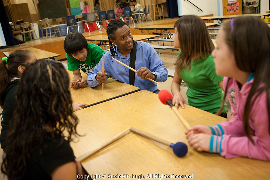 Eduardo Mendonca teaches Brazilian Rhythms to elementary school students at Northgate WS in Seattle.