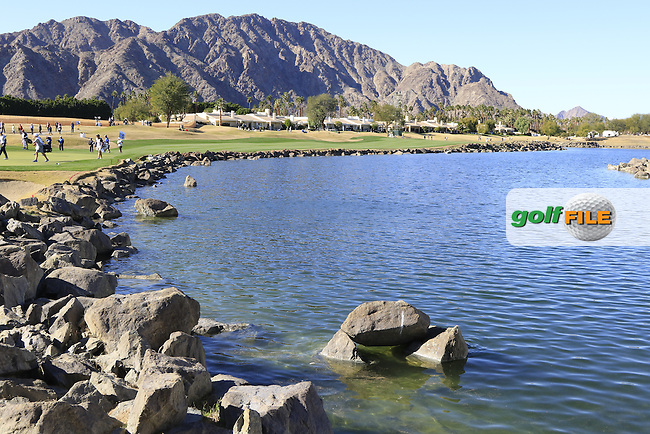 The 18th hole during Saturday's Round 3 of the 2017 CareerBuilder Challenge held at PGA West, La Quinta, Palm Springs, California, USA.<br /> 21st January 2017.<br /> Picture: Eoin Clarke | Golffile<br /> <br /> <br /> All photos usage must carry mandatory copyright credit (&copy; Golffile | Eoin Clarke)