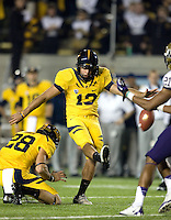 Vincenzo D' Amato of California kicks a field goal during the game against Washington at Memorial Stadium in Berkeley, California on November 2nd, 2012.  Washington Huskies defeated California, 13-21.