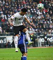 Carlos Salcedo (Eintracht Frankfurt) klaert gegen Daniel Caliguri (FC Schalke 04)- 16.12.2017: Eintracht Frankfurt vs. FC Schalke 04, Commerzbank Arena, 17. Spieltag Bundesliga