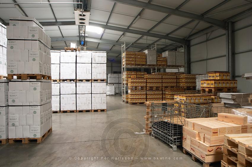 wine in boxes le cellier des princes chateauneuf du pape rhone france