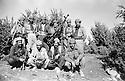 Iraq 1985  <br /> Near Zakho, peshmergas with a douchka  <br /> Irak 1985 <br /> Pres de Zakho, des peshmergas avec une mitrailleuse Douchka