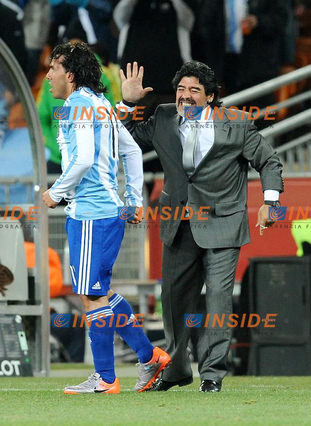 Diego Maradona e Carlos Tevez (Argentina)<br /> Argentina Messico 3-1 - Argentina vs Mexico 3-1<br /> Campionati del Mondo di Calcio Sudafrica 2010 - World Cup South Africa 2010<br /> Soccer City Stadium, Johannesburg, 27 / 06 / 2010<br /> &copy; Giorgio Perottino / Insidefoto