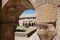 Europe/France/Midi-Pyrénées/12/Aveyron/Conques: Abbatiale Sainte-Foy de Conques. Le Cloitre