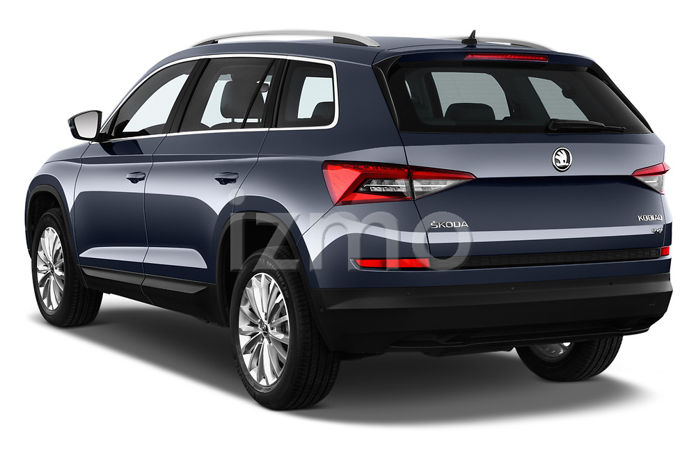 Car pictures of rear three quarter view of 2017 Skoda Kodiaq Style 5 Door SUV Angular Rear