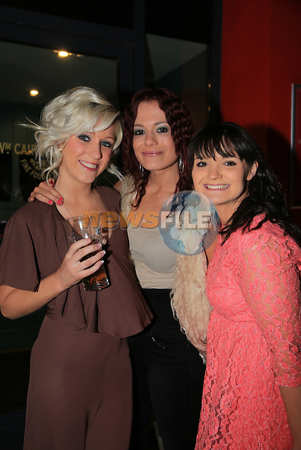 Sara Nolan.Michelle pap.Katie Carr in Cairns.Picture:  www.newsfile.ie ..