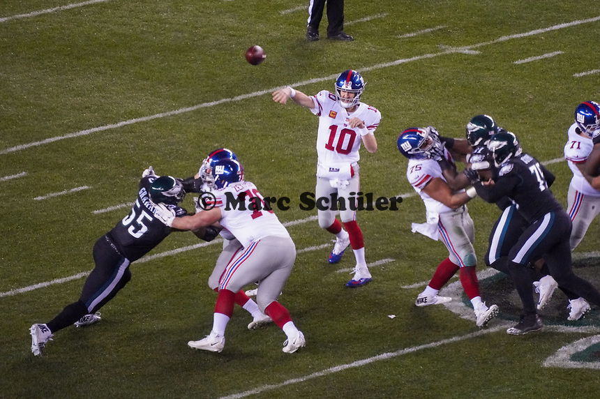 quarterback Eli Manning (10) of the New York Giants - 09.12.2019: Philadelphia Eagles vs. New York Giants, Monday Night Football, Lincoln Financial Field