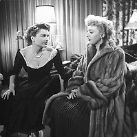 All About Eve (1950)<br /> Anne Baxter &amp; Celeste Holm  <br /> *Filmstill - Editorial Use Only*<br /> CAP/KFS<br /> Image supplied by Capital Pictures
