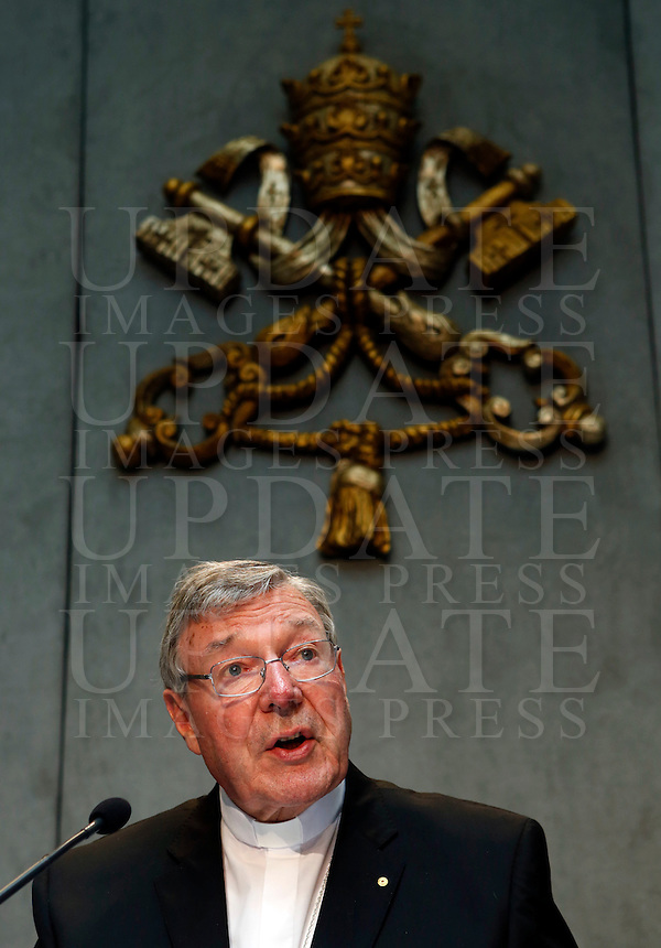 Il cardinale australiano George Pell, Prefetto della Segreteria per l'Economia, durante la conferenza stampa sul nuovo quadro economico della Santa Sede presso la Sala Stampa Vaticana, 9 luglio 2014.<br /> Australian cardinal George Pell, Prefect of the Secretariat for the Economy, attends a press conference at the Vatican press room, 9 July 2014.<br /> UPDATE IMAGES PRESS/Riccardo De Luca<br /> <br /> STRICTLY ONLY FOR EDITORIAL USE