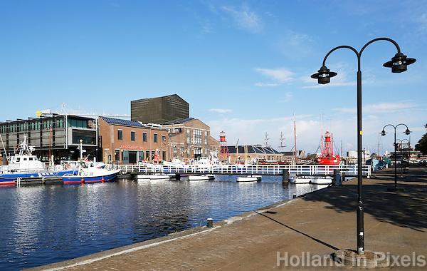 Nederland Den Helder 2015. De voormalige rijkswerf Willemsoord, ook wel Oude Rijkswerf genoemd, is sinds het terugtrekken van de Koninklijke Marine naar nieuwe werflocatie in Den Helder omgevormd tot een nautisch themapark.
