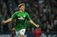 FUSSBALL   1. BUNDESLIGA    SAISON 2012/2013    8. Spieltag   SV Werder Bremen - Borussia Moenchengladbach  20.10.2012 Torjubel nach dem 4:0: Niclas Fuellkrug (SV Werder Bremen)