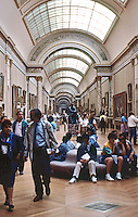 Paris: Louvre Museum. Interior gallery. Photo '90.