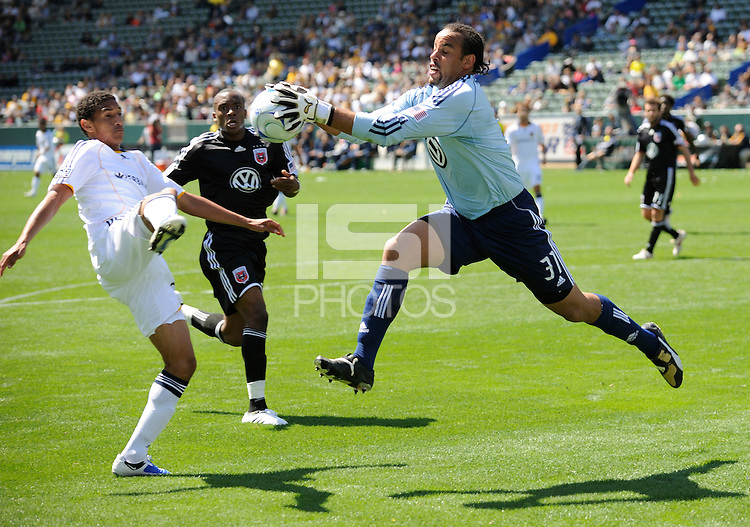 Los Angeles Galaxy's Sean Franklin can't get to the ball before D.C. United goalie Josh Wicks (31) in the first half at the Home Depot Center in Carson, CA on Sunday, March 22, 2009..