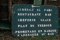 Europe/France/Pays de la Loire/44/Loire Atlantique/Ile de Fedrun/St Joachim: Ancienne enseigne du restaurant repris par Eric Guerin propriétaire et chef de cuisine du restaurant 'La Mare aux oiseaux'