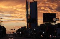 Amanecer de nuevo dia en Hermosillo.Contra Luz de la Torre de Hermosillo.