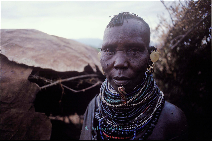 A Turkana woman - Lokitaung...Northern Kenya.....