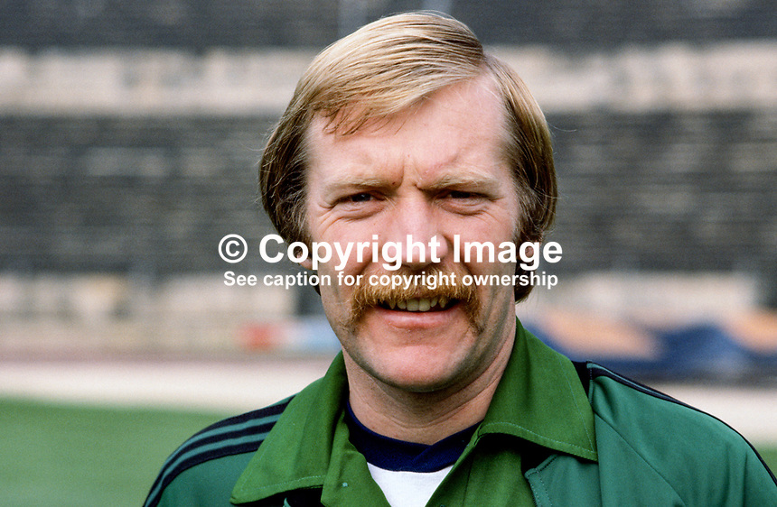Eric McManus, goalkeeper, footballer, Stoke City FC & N Ireland, 198011000357..Copyright Image from Victor Patterson, 54 Dorchester Park, Belfast, UK, BT9 6RJ..Tel: +44 28 9066 1296.Mob: +44 7802 353836.Voicemail +44 20 8816 7153.Skype: victorpattersonbelfast.Email: victorpatterson@mac.com.Email: victorpatterson@ireland.com (back-up)..IMPORTANT: If you wish to use this image or any other of my images please go to www.victorpatterson.com and click on the Terms & Conditions. Then contact me by email or phone with the reference number(s) of the image(s) concerned.