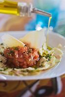 Europe/Provence-Alpes-Côte d'Azur/83/Var/Bormes-les-Mimosas: Tartare de tomates à l'artichaut cru  recette de  Gil Renard du Restaurant La Tonnelle