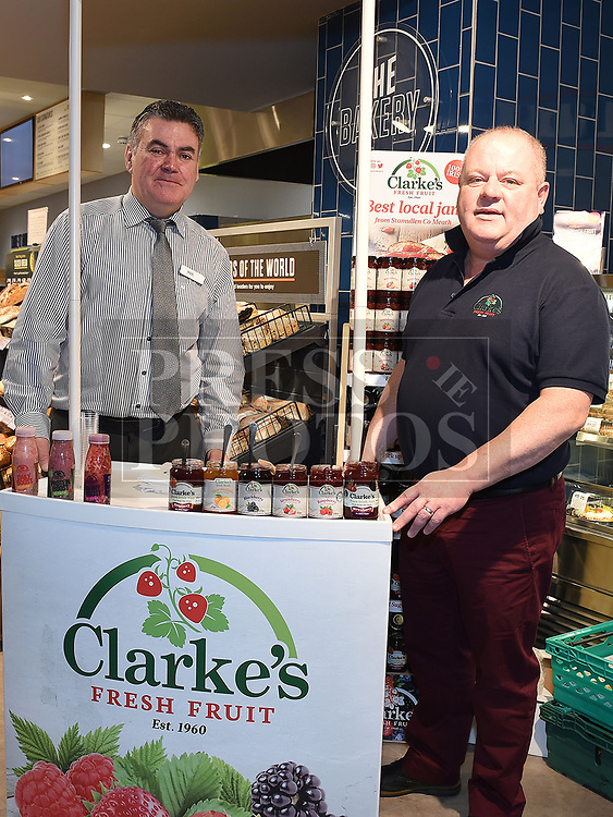 Vincent Battersby from Clarkes Fresh Fruit Stamullen with manger Ken Murtagh at the opening Dunne's Centra Ardee. Photo:Colin Bell/pressphotos.ie