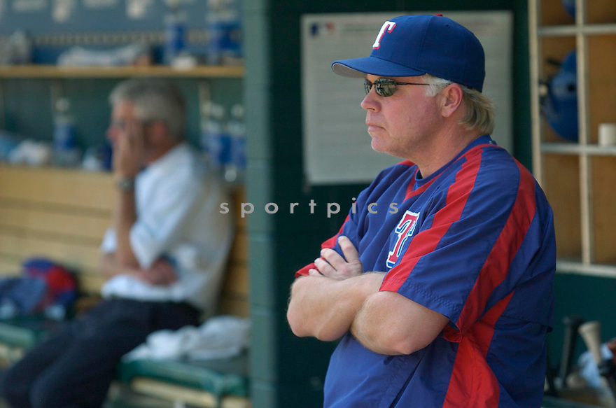 Buck Showalter, of the Texas Rangers, during their game against the Detroit Tigers on June 2, 2005..Tigers win 6-5..David Durochik / SportPics.