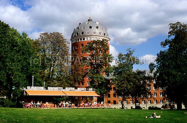The Poort van Breda building along the Valkenberg Park in Breda (Netherlands, 08/09/2006)