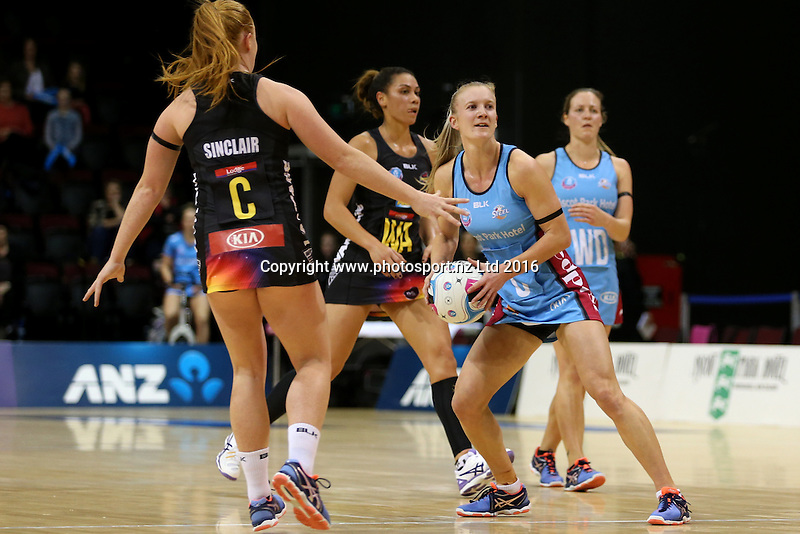 Shannon Francois of the Steel in action during the ANZ Championship netball match between the Southern Steel and Waikato Bay of Plenty Magic, ILT Stadium Southland, Invercargill, Sunday, June 19, 2016. Photo: Dianne Manson / www.photosport.nz