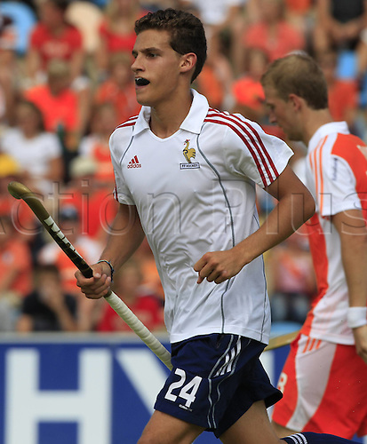 21.08.2011 European Hockey Championships from the Warsteiner Hockey Park in Moenchengladbach. Netherlands v France. Picture shows Viktor Lockwood France.