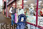 Keeping shopping local in Cahersiveen this Christmas were Tommy Lapsley, Louise & Jamie John Sugrue.