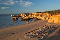 Portugal, Algarve, near Portimao: View of Praia do Vau at sunrise