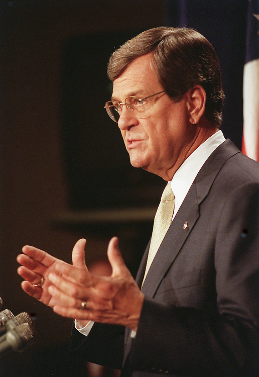 4/25/00.ELIAN GONZALEZ--Senate Majority Leader Trent Lott, R-Miss., during a news conference on his meeting with Attorney General Janet Reno and other senators on the INS seizure of 6-year-old Cuban Elian Gonzalez from his relatives in Miami to be reunited with his father..CONGRESSIONAL QUARTERLY PHOTO BY SCOTT J. FERRELL