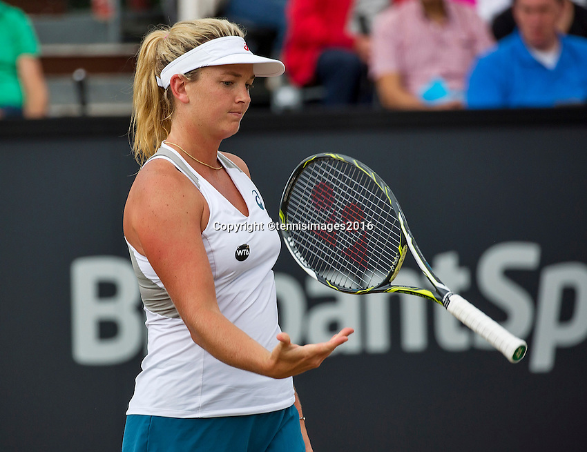 Den Bosch, Netherlands, 10 June, 2016, Tennis, Ricoh Open, Coco Vandeweghe (USA) throw her racket<br /> Photo: Henk Koster/tennisimages.com