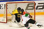 06.01.2020, BLZ Arena, Füssen / Fuessen, GER, IIHF Ice Hockey U18 Women's World Championship DIV I Group A, <br /> Deutschland (GER) vs Ungarn (HUN), <br /> im Bild Sofie Disl (GER, #20) rettet gegen Petra Szamosfalvi (HUN, #8)<br /> <br /> Foto © nordphoto / Hafner