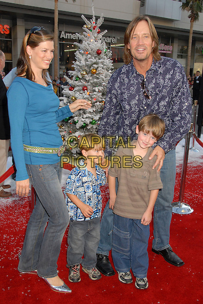 "KEVIN SORBO & FAMILY.""Fred Claus"" Los Angeles Premiere at Grauman's Chinese Theatre, Hollywood, California, USA, 3 November 2007..full length sons children kids.CAP/ADM/BP.©Byron Purvis/AdMedia/Capital Pictures."