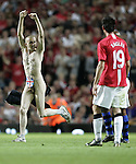 A streaker runs on th pitch as Manchester United play Inter Milan. Pic SPORTIMAGE/Dave Thompson..Pre-Season Friendly..Manchester United v Internazionale..1st August, 2007..--------------------..Sportimage +44 7980659747..admin@sportimage.co.uk..http://www.sportimage.co.uk/