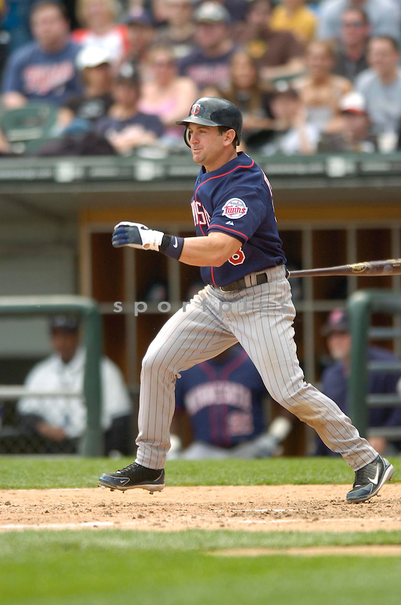 Nick Punto, of the Minnesota Twins, during their game against the Chicago White Sox on April 23, 2006 in Chicago...Sox  win 7-3..David Durochik / SportPics