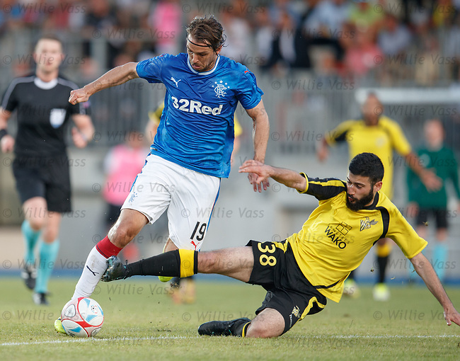 Niko Kranjcar fouled by Metin Karayer