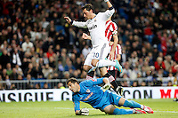 Real Madrid CF vs Athletic Club de Bilbao (5-1) at Santiago Bernabeu stadium. The picture shows Mesut Ozil and Gorka Iraizoz. November 17, 2012. (ALTERPHOTOS/Caro Marin) NortePhoto