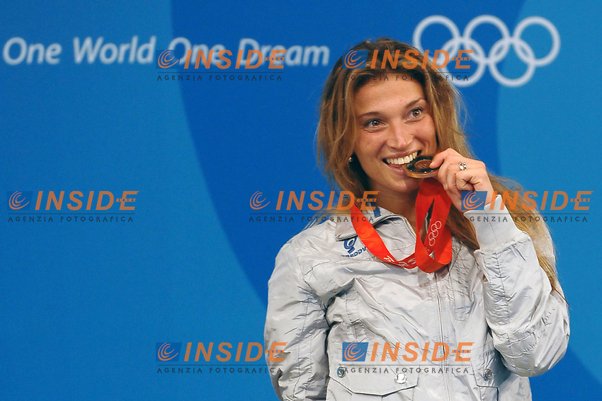 Margherita Granbassi morde la medaglia di bronzo<br /> Fencing Hall - Scherma<br /> Pechino - Beijing 11/8/2008 Olimpiadi 2008 Olympic Games<br /> Foto Andrea Staccioli Insidefoto